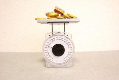 1キロの米は炊いた後、何グラムになる?何日分なの?